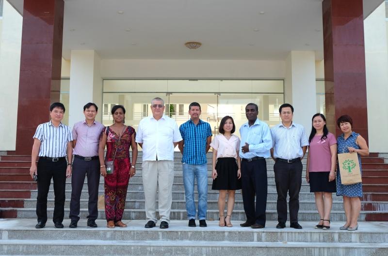 Đón tiếp đoàn Cuba sang thăm và trao đổi nghiên cứu