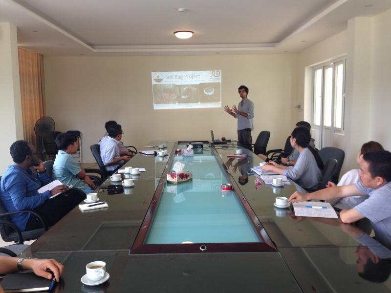 Seminar cho các nhóm nghiên cứu nước ngoài tại Viện